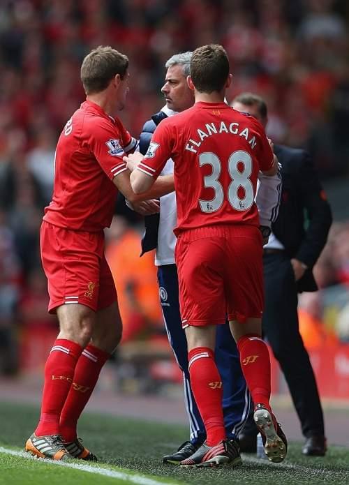 Steven+Gerrard+Liverpool+v+Chelsea+Premier+0QEx9VbcCMMx