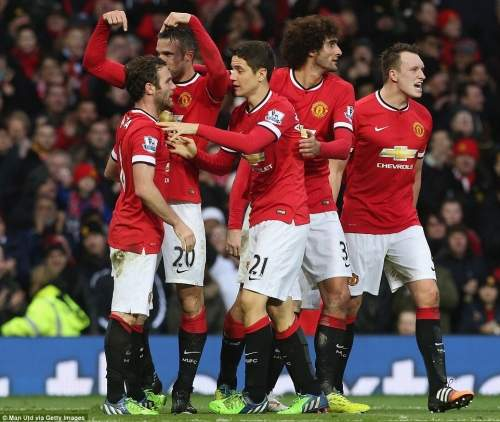 Van Persie acknowledges the unselfish play of Mata that led to the goal